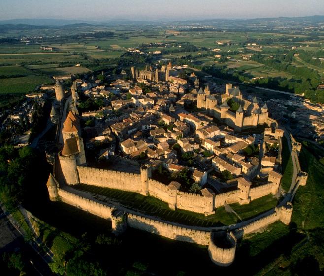 S Car V  Carcassonne