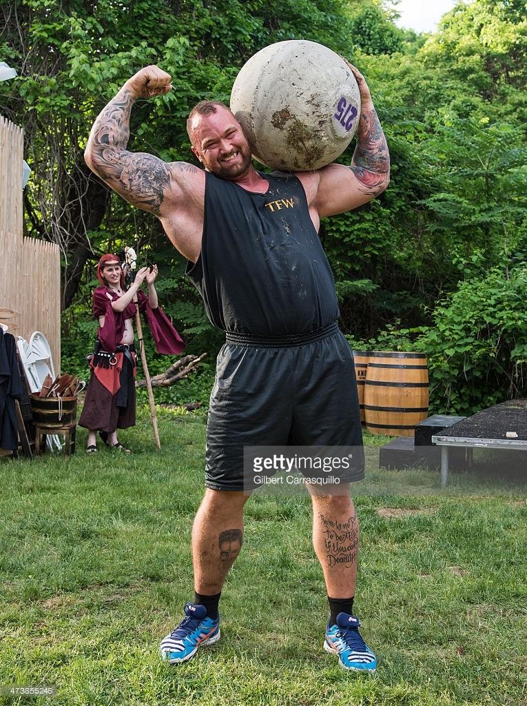 ¿Cuánto mide Hafthor Julius Bjornsson?  (The Mountain) - Real height and weight Hafbor2